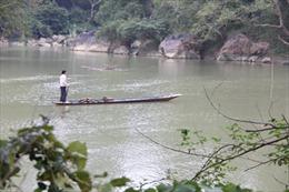 Lên hồ Ba Bể nhớ thuyền độc mộc