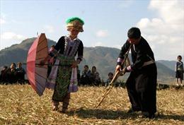 Đầu năm đi hội tết Mông
