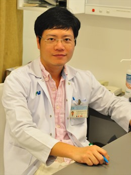 Lần đầu tại Việt Nam: Cắt bỏ u dạ dày qua đường miệng