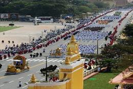 Chùm ảnh rước linh cữu cựu Vương Sihanouk đến Đài hỏa thiêu
