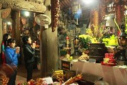 Hà Nội: Nô nức lên chùa đêm giao thừa