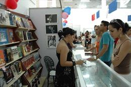 Sách về Bác Hồ có mặt tại Hội chợ Sách quốc tế Cuba 2013