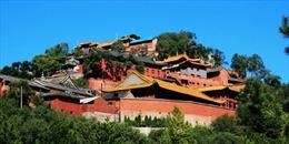Trung Quốc đóng cửa 2 ngôi đền lừa gạt du khách