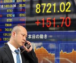 Chỉ số Nikkei lập kỷ lục mới