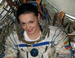 Phái đẹp Nga trở lại chinh phục không gian