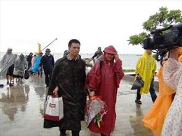 Vợ lính thời bình - Kỳ cuối: Ra thăm anh trên đảo Sinh Tồn
