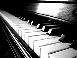 NS Tâm Ngọc độc tấu piano trong đêm nhạc Tchaikovski