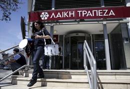 Cyprus thoát hiểm vào phút chót