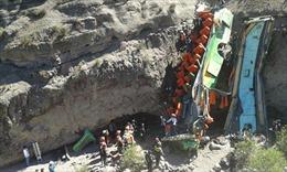 Peru: Hơn 20 người chết do xe lao xuống vực