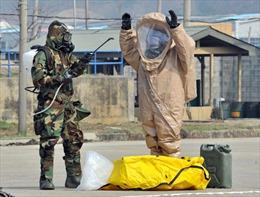Xem lính chống phóng xạ Mỹ diễn tập tại Hàn Quốc