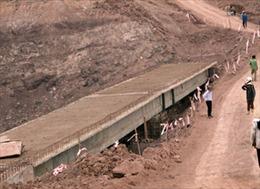 Yêu cầu dừng thi công cầu vượt kênh Nà Ven
