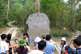Chợ cóc 'nhảy' tràn lan di tích lịch sử Điện Biên