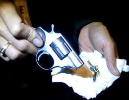 Tóm gọn nhóm đối tượng dùng súng đòi nợ