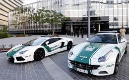 Cảnh sát Dubai tuần tra bằng xe sang Ferrari