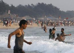 Ấn Độ cấm uống rượu trên bãi biển