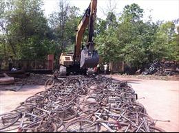 """Tiêu hủy 750 xe """"độ"""" để vận chuyển gỗ trái phép"""