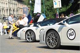 Lamborghini diễu hành rầm rộ nhân sinh nhật thứ 50