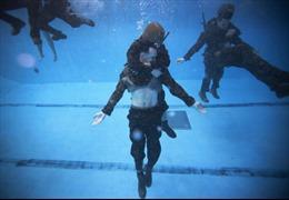 Lính thủy Mỹ vật lộn học sống sót dưới nước