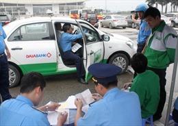 Báo động đạo đức lái xe taxi