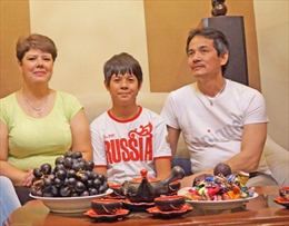 """Mái ấm Việt của """"cậu bé vàng"""" karate ở Nga"""