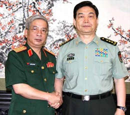 Thượng tướng Nguyễn Chí Vịnh chào xã giao Bộ trưởng Quốc phòng Trung Quốc