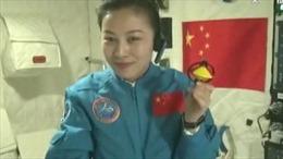 Nữ phi hành gia Trung Quốc giảng bài từ vũ trụ