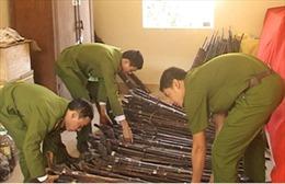 Người dân Điện Biên giao nộp gần 36.000 khẩu súng