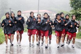 'Gió sương' phận cầu thủ nữ