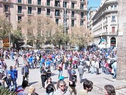 Tây Ban Nha cạn tiền