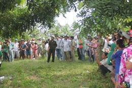 Nghi án người đàn ông treo cổ chết trên cành cây
