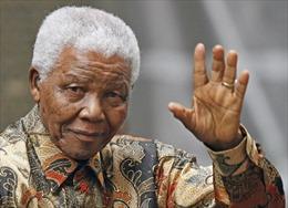 Nam Phi bác tin ông Mandela sống thực vật