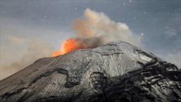 Núi lửa phun trào ảnh hưởng hàng không Mỹ