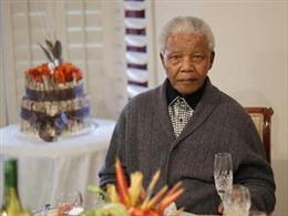 Sức khỏe ông Mandela tiến triển 'rất tích cực'