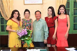 Bộ trưởng Giàng Seo Phử tiếp đoàn Hoa hậu Dân tộc Việt Nam