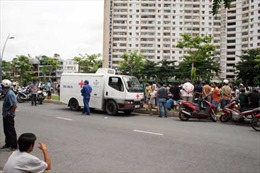 Phát hiện xác chết phân hủy trên kênh Nhiêu Lộc