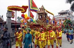 Đề nghị đưa lễ hội Phủ Dầy vào Di sản văn hóa quốc gia
