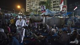 Giải tán hai lều trại biểu tình tại Cairo, xung đột cận kề