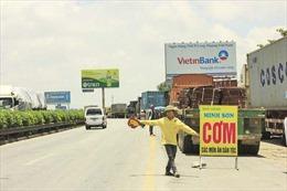 Ngăn chặn quốc lộ thành... phố