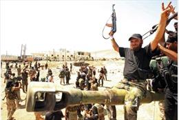 Phe đối lập Syria được lệnh chuẩn bị nhận chuyển giao quyền lực