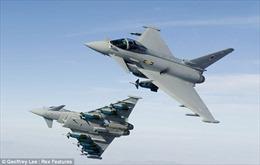 Chiến đấu cơ Anh rượt đuổi máy bay Syria