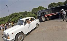 Bốn kẻ hiếp dâm nữ sinh Ấn Độ bị tử hình