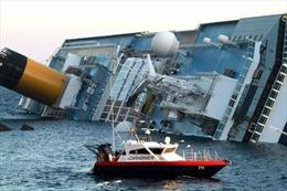 Italy bắt đầu trục vớt tàu Costa Concordia