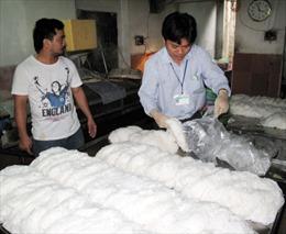 Phạt 40 triệu đồng cơ sở dùng chất tẩy trắng trong bún