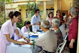 Đẩy mạnh công tác chăm sóc người cao tuổi