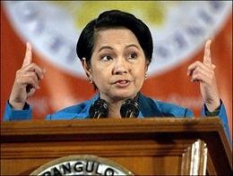Cựu Tổng thống Philippine bị buộc tội tham ô