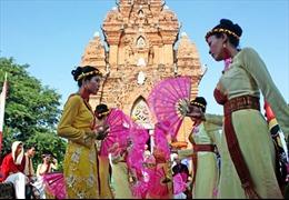 Đồng bào Chăm Bàlamôn vui đón lễ hội Katê
