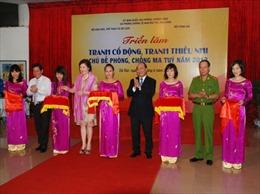 Phó Thủ tướng Nguyễn Xuân Phúc khai mạc triển lãm tranh cổ động phòng chống ma túy