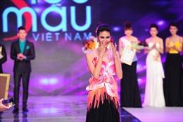 """Lan Khuê giành giải vàng """"Siêu mẫu Việt Nam"""" 2013"""