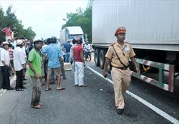 Xe khách đâm xe tải, 1 người chết, 3 người thương nặng