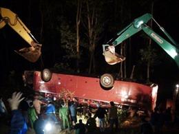 Khẩn trương giám định để khởi tố lái xe khách gây tai nạn